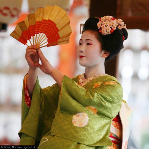La Geisha est une artiste.