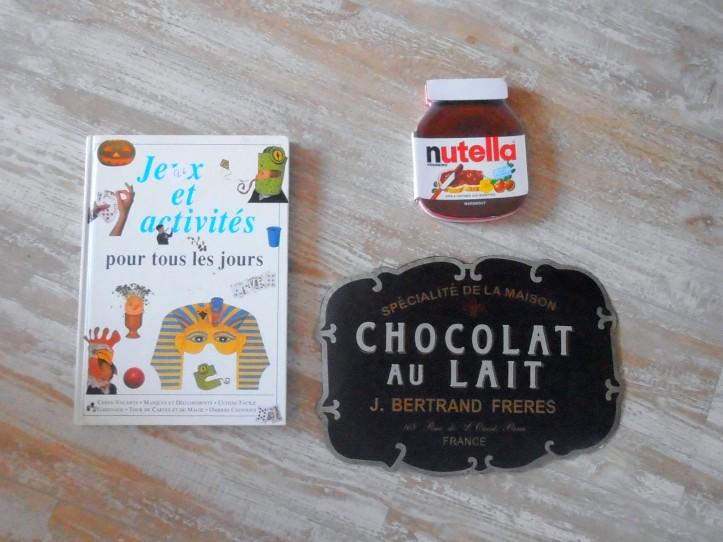 Brocante livre et plaque cuisine